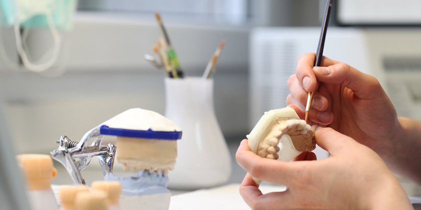 Prothese-dentaire-conseils-utiles-avant-d-acheter-1